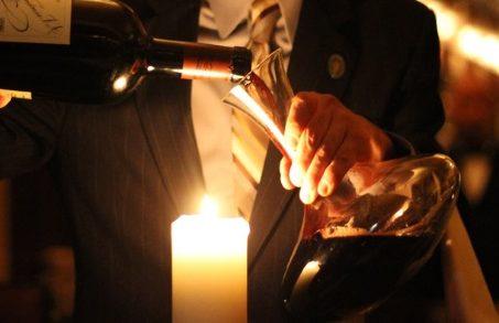 Decantare un vino